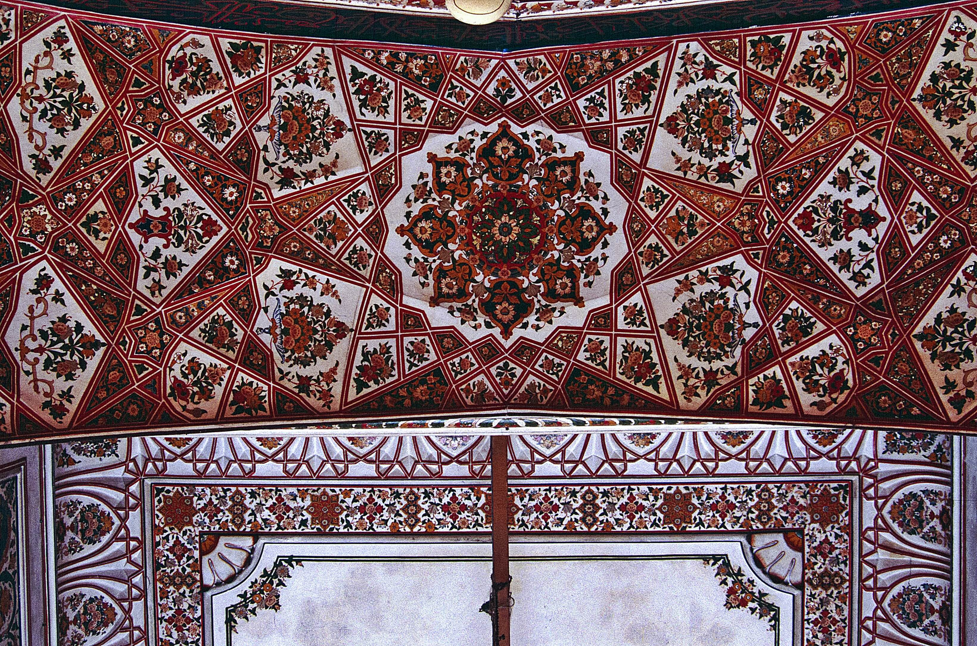 Example of A Beautiful Peshawar art Motif from the Mugal Age
