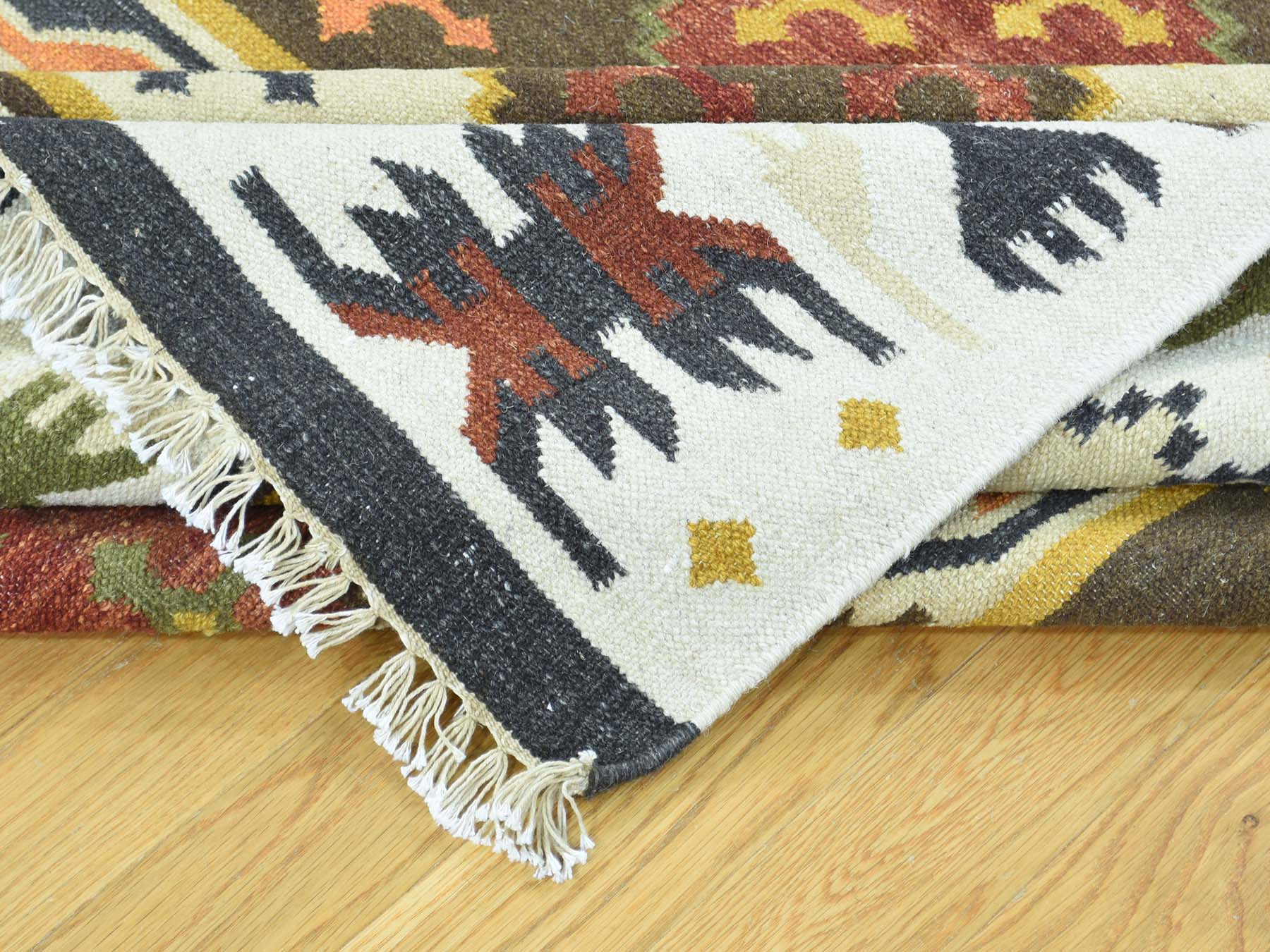 Perfect Example of a Beautiful Kilim Hand-Woven Rug Motif and Weave