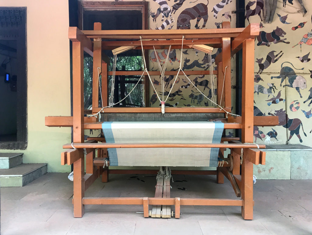 Wooden Handloom for production of rugs